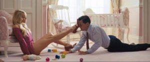 Image illustrant Leonardo Dicaprio, totalement victime des charmes de sa femme, bien loin de ce que souhaite les MGTOW